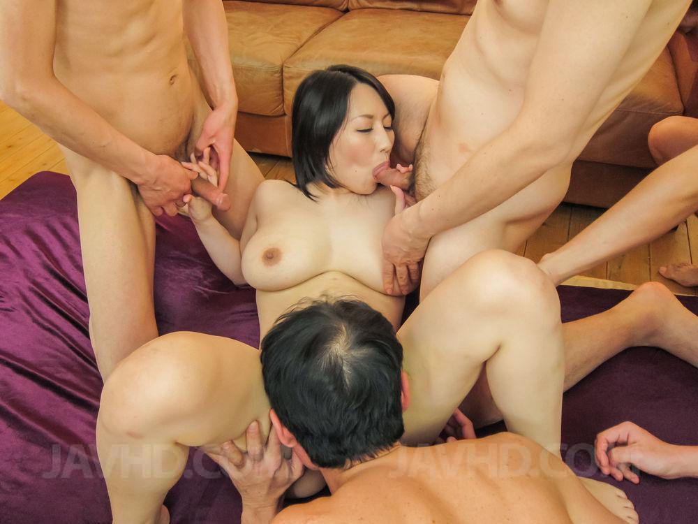 дочь порно азиатки мама